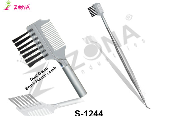 Lash Separating With Comb & Brush
